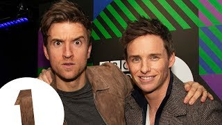 """Dumble-PHWOAR!"" Eddie Redmayne on Fantastic Beasts 2 and Jude Law's Sexy Dumbledore"