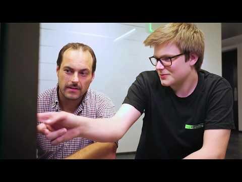 Mitarbeiter und Lehrling kurz über Fiegl & Spielberger