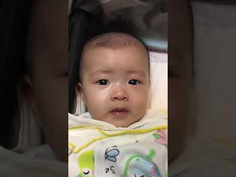 1070117女兒3個月嬰兒時被嚇到的表情 - YouTube