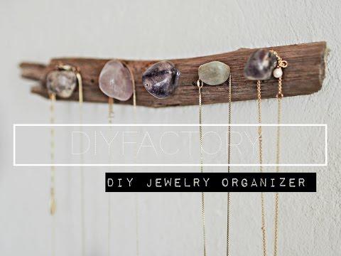 DIY - driftwood jewelry organizer