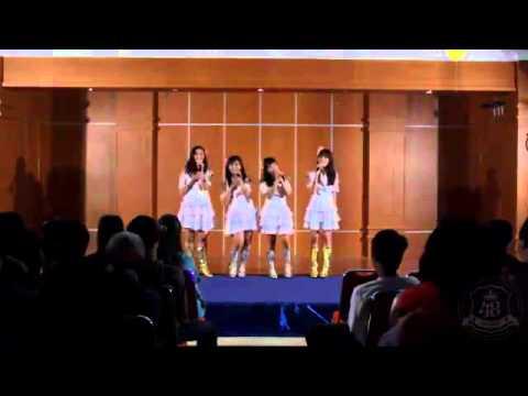 JKT48 - Yuuhi wo Miteiru ka (Live Sing) - YouTube