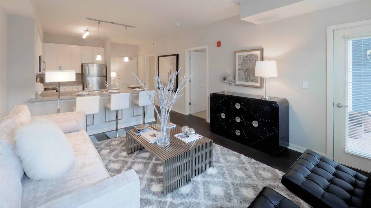 Tour A 1 Bedroom Plus Den Apartment At The New Oaks Of