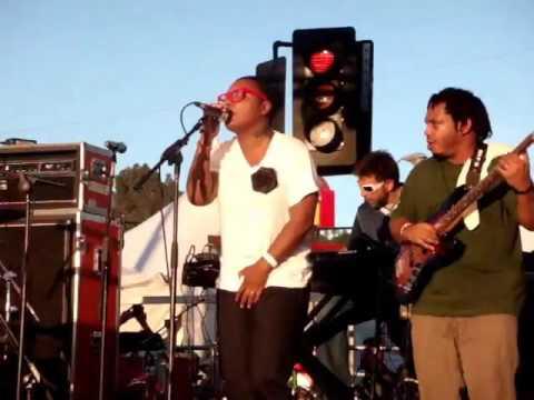 Meshell Ndegeocello   Pop Life LIVE @ Sunset Junction 2010 Los Angeles   YouTube