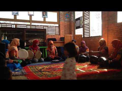Grup Rebana Guru Sekolah Semai membawakan Lagu Assalamu'alaik