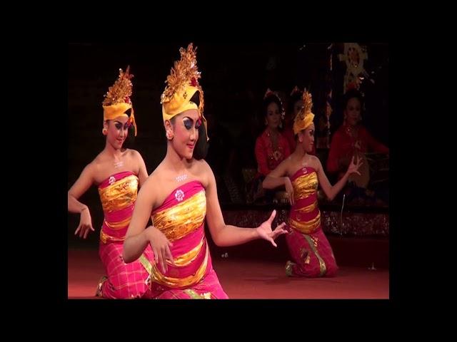 Tari Tenun Gong Wanita Mekar Sari Peliatan pada Pesta Kesenian Bali (PKB) ke 36 pada Tahun 2014