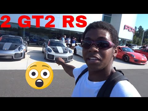 2 Porsche GT2 RS at Porsche Southpoint Cars and Coffee
