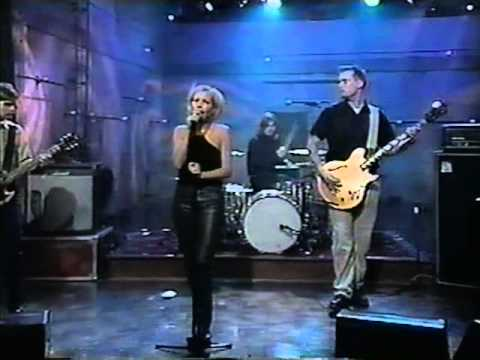 The Cardigans on Late Night with Conan O'Brien (Lovefool)