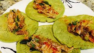tortillas a mano de nopales y cilantro