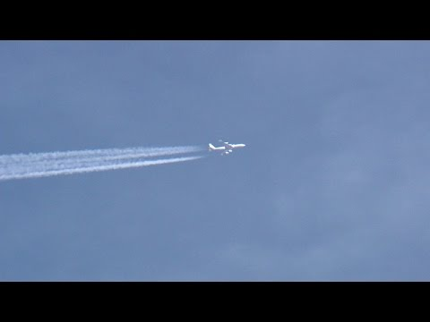 Aircraft Seen Mysteriously Hovering Around Denver Airport Causes Concern