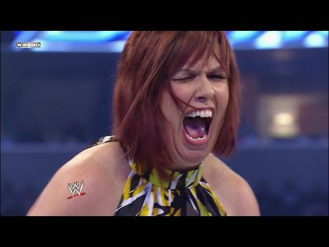 Beth Phoenix vs. SmackDown Official Consultant Vickie
