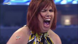Beth Phoenix vs. SmackDown Official Consultant Vickie thumbnail
