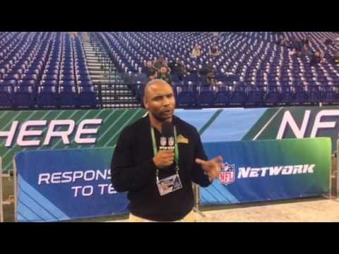 Donovin Darius Talks to Fans at the NFL Combines