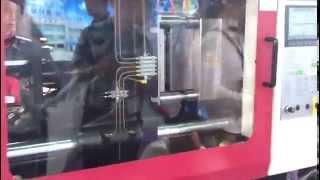 Производство пластиковых контейнеров(Производство пластиковых контейнеров, на термопластавтомате компании HWAMDA. Официальный дилер в России..., 2013-05-27T16:02:32.000Z)