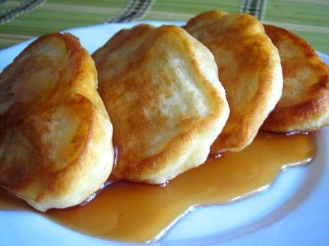 Пышные оладьи (оладушки) на кефире с яблоками