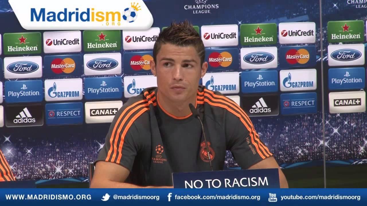 Cristiano Ronaldo escaped from a press conference 02/17/2016 87