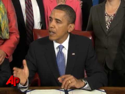 Obama Signs Freedom of Press Act