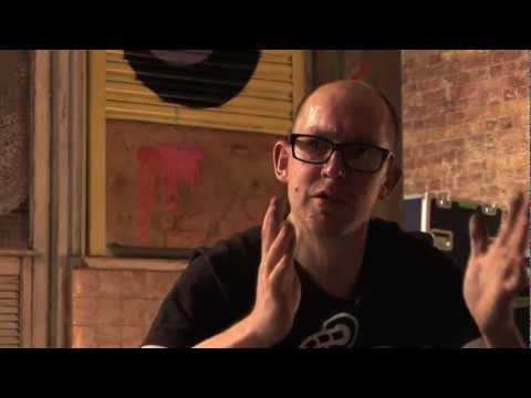Ben Eine interview and installation at Moniker Art Fair 2010