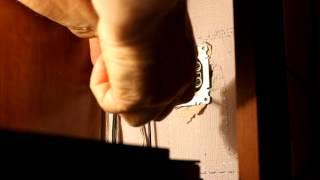 Как закрепить розетку(http://samsebeelektrik.ru Как закрепить розетку в стене., 2013-11-24T13:31:58.000Z)