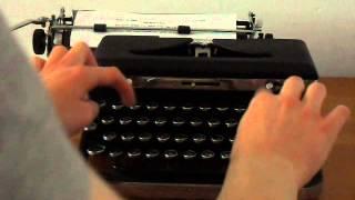 Royal DE LUXE Typewriter