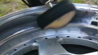 Polerowanie felgi krazkiem bawelnianym. Polishing wheel.