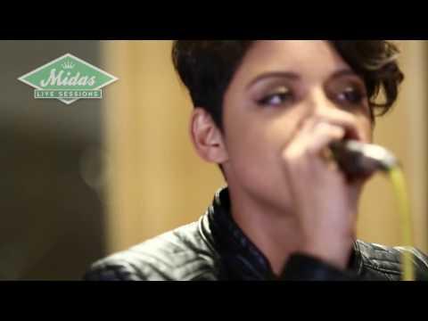 Kell Smith -  Respeita as Mina ao vivo no Midas Studios