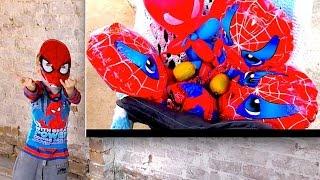 Человек паук спасает своих детей от похищения злым привидением