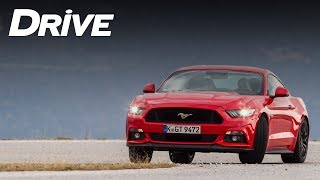 Ford Mustang GT 5.0 by DRIVE, road trip and track test (English subtitles)