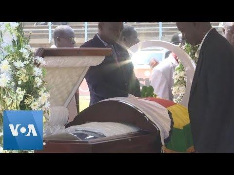 Mourners Pay Respects to Mugabe at Zimbabwe Stadium