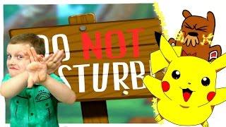 - Смеемся и ДРАЗНИМ ЗВЕРЬКА Играем в мультяшную Игру Do not disturb Видео для детей