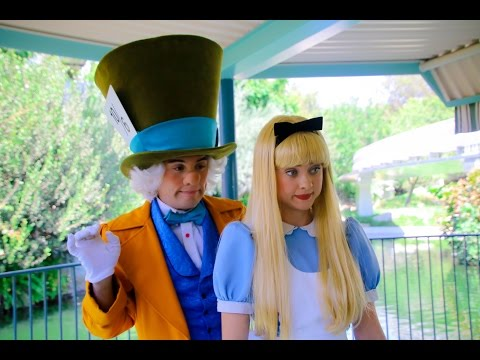 Who will win in this Wonderland staring contest at Disneyland?