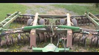 Good Deal On A 635 John Deere Disc.Wmv