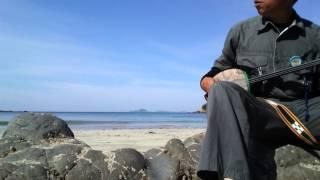 画面中央の島は三島由紀夫の潮騒(吉永小百合、山口百恵主演)の舞台で有...