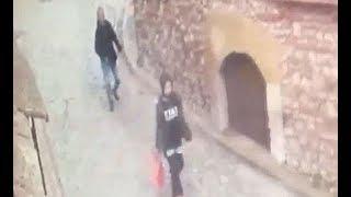 Balatta taciz anı güvenlik kamerasında