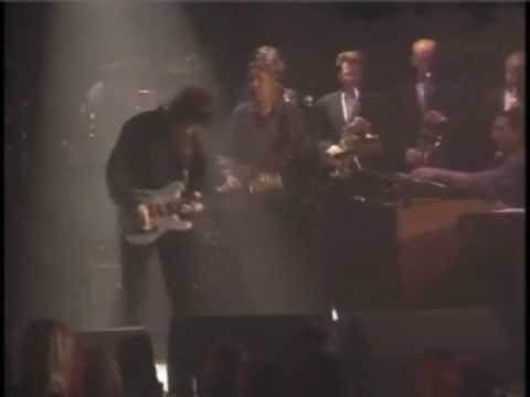 GARY MOORE - The Sky Is Crying.wmv