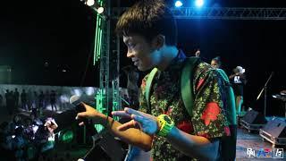 เต๊ะ ตระกูลตอ  แสดงสดมันส์ๆ สนุก ฮา คอนเสิร์ต Chang music connection