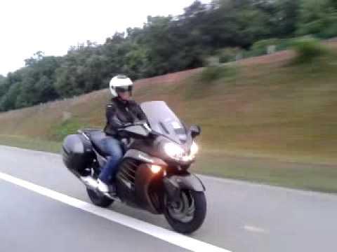 Kawasaki GTR 1400 - YouTube