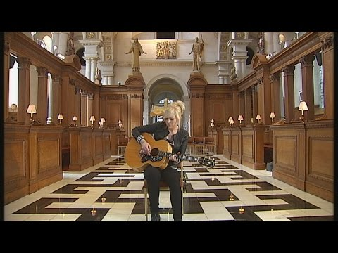 Christian rock singer Vicky Beeching comes out as gay