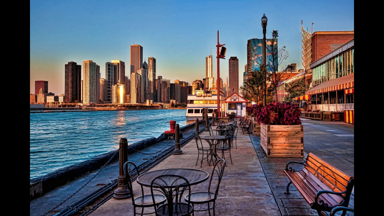 chicago attractions Although all of the chicago hotels are beautiful, there is so much to experience in  chicago with many chicago sights and attractions, you're not going to want to.