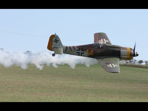 ONBOARD CAMS RC WW2 DOGFIGHT - SPITFIRE VS FW 190 - JOHN & CHRIS - 2014