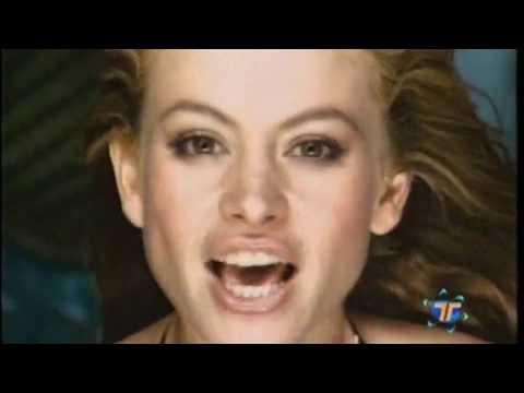 Paulina Rubio :: Y Yo Sigo Aquí [Video Oficial]