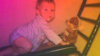 Ребёнок растет   Малыш боится посторонних   03 02 14(, 2014-02-03T07:36:42.000Z)