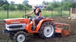 Traktorek - ciągniczek ogrodniczy kubota 1600 z fajną laską.  www.traktorki-japonskie.waw.pl