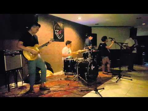 Hummingbird - Lunar Landings at Mow's Bar