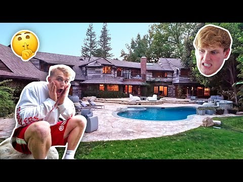 BREAKING INTO THE NEW MAVERICK HOUSE (LOGAN FREAKED OUT) thumbnail
