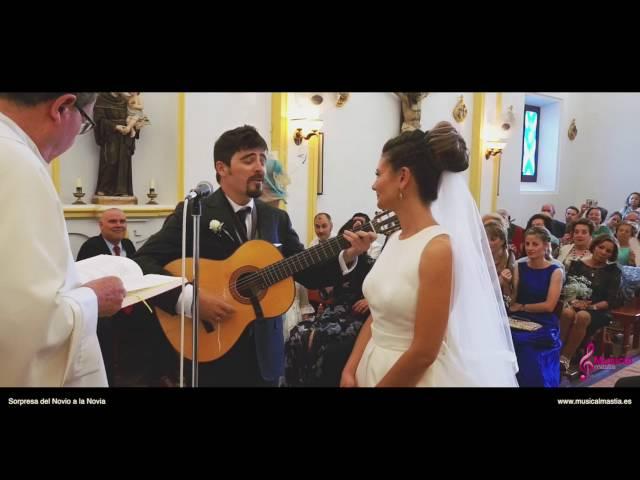Novio sorprende a la novia el día de la boda y le canta en el altar una canción de Los Secretos