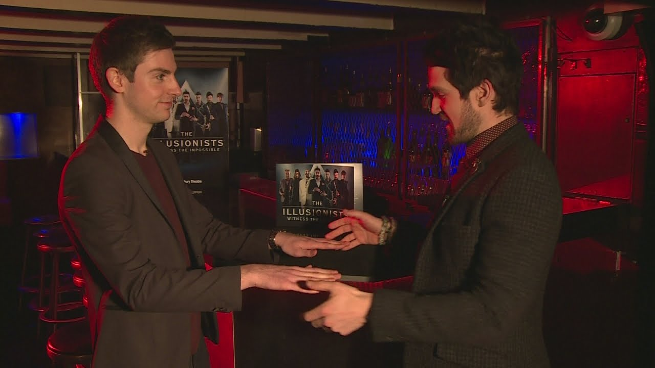 Amazing mind-reading trick by real-life 'Sherlock' Colin Cloud baffles  reporter