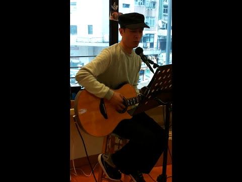 Henry Leung in Wan Chai Loving Hut 001