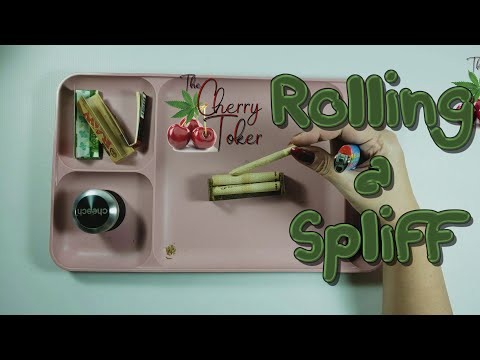 Rolling a spliff/joint with a hemp plastic rolling machine