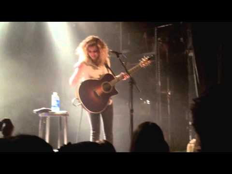 Tori Kelly - PYT Cover, Crowd goes crazy & All in my Head - Toronto, ON