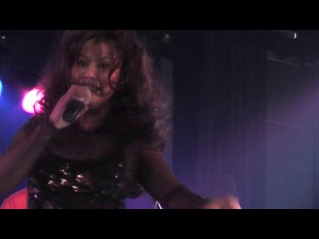 Ilse Setroredjo - Kupu kupu Live @Garuda Entertainment NL Tour - 2005